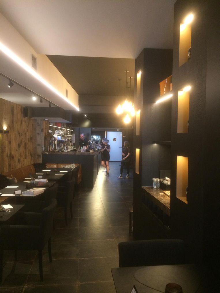 Jonathan Beke en Ambre Parsy openden drie jaar geleden op de Grote Markt in Kortrijk restaurant-tapasbar Maddox, een verwijzing naar hun favoriete buurt in Londen. Wij gingen eens proeven.