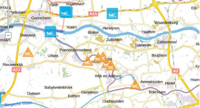 Op Zwemwater.nl staan waarschuwingen bij welke natuurplassen blauwalg is aangetroffen.