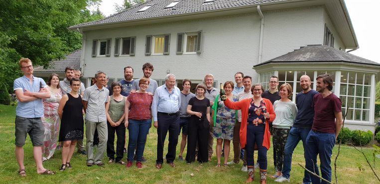 De elf gezinnen die zullen samenhuizen aan de Emiel Fleerackersstraat. Ze zoeken nog drie andere gezinnen.