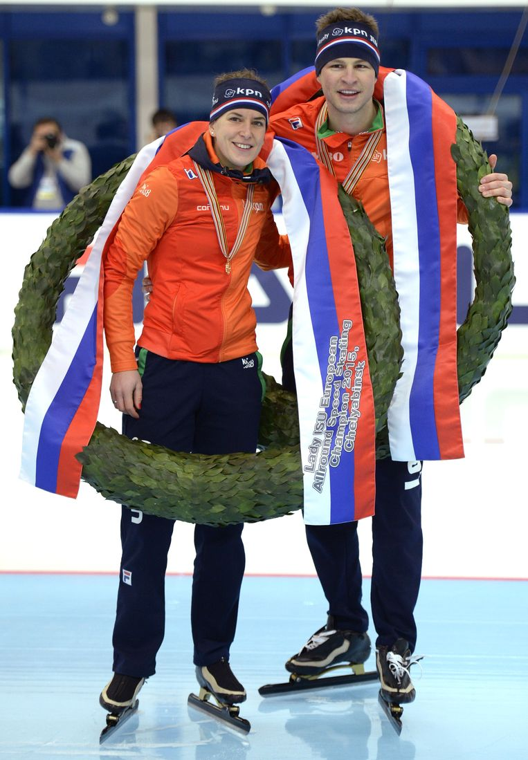 Ireen Wüst (links) en Sven Kramer in Tsjeljabinsk. Beeld afp
