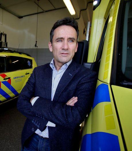 Baas ambulancedienst is alle coronameninkjes zat; 'Als je er geen verstand van hebt, houd dan je mond'