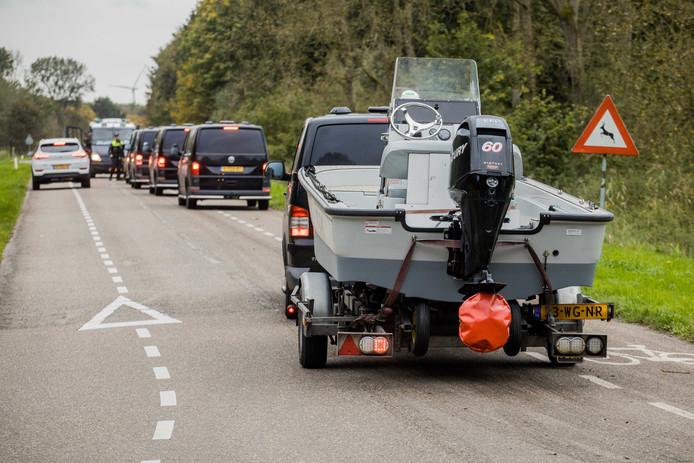 2017-10-11 16:30:32 ZEEWOLDE - De politie zoekt naar de vermiste Anne Faber in de buurt van een golfterrein in Zeewolde. De Utrechtse wordt al ruim anderhalve week vermist. ANP SEM VAN DER WAL