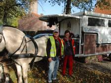 Belgisch echtpaar reist door Heusden met paard en wagen