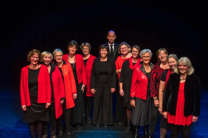Het nieuwe koor Mevrouw Hoov heeft de afgelopen maanden flink gerepeteerd.