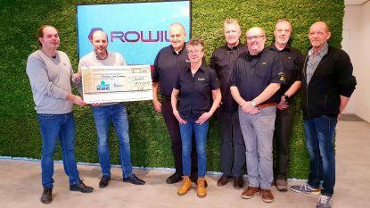 Rowil schenkt 2.600 euro aan 'Truckers voor Kinderen'