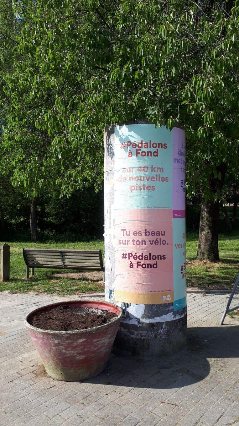 Franstalige affiche in Overijse.