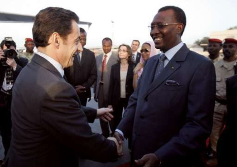 De Franse president Nicolas Sarkozy met de Tjadische president Idriss Deby