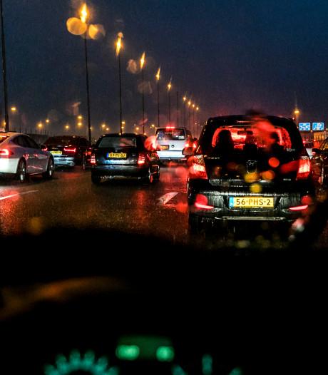 Grote politiecontrole op A28 bij Staphorst: monsterfile van 21 kilometer voorbij
