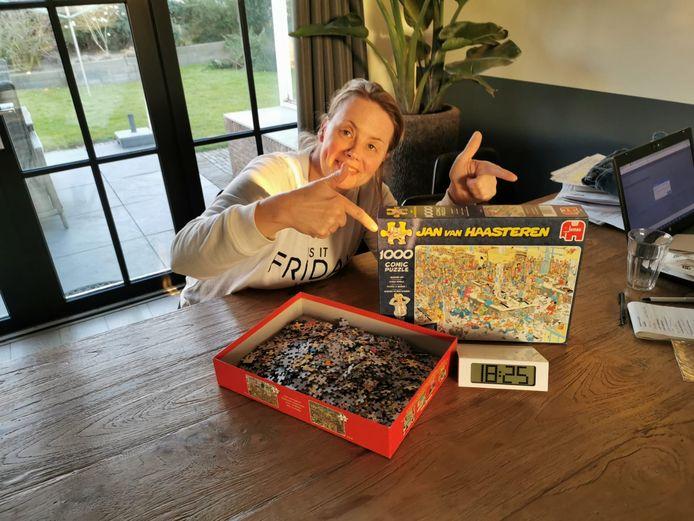 Alle puzzelaars stortten zich op een Jan van Haasteren-prent in 1000 stukjes.