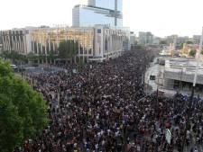Des milliers de personnes manifestent contre les violences policières à Paris