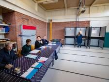 Rust en topdrukte op steenworp afstand van elkaar: 'We moeten stembiljetten overhevelen'