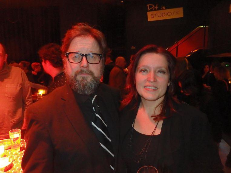 Regisseur Martin Koolhoven, vlak na zijn memorabele speech, met partner Tallulah Hazekamp Schwab Beeld Schuim