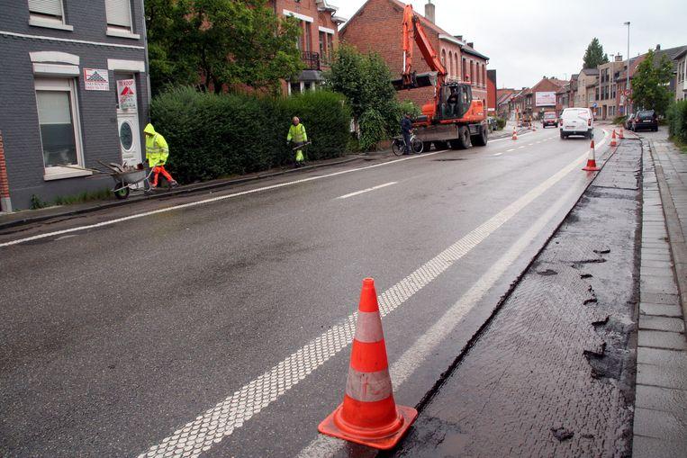 Onder meer op het traject Klapperbeek-Vijfstraten krijgen de fietspaden voor 1 september nog een opknapbeurt.