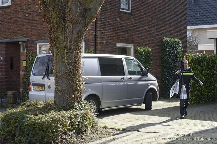 De politie deed sporenonderzoek in Hengelo