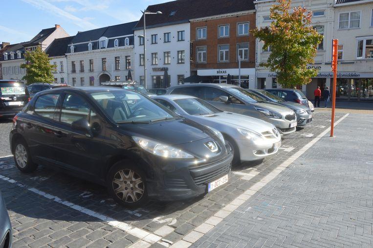 De shop & go-parkeerplaatsen op de Graanmarkt.