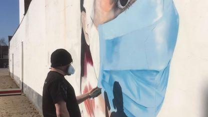 Graffiti in Deurne brengt hulde aan zorgverleners