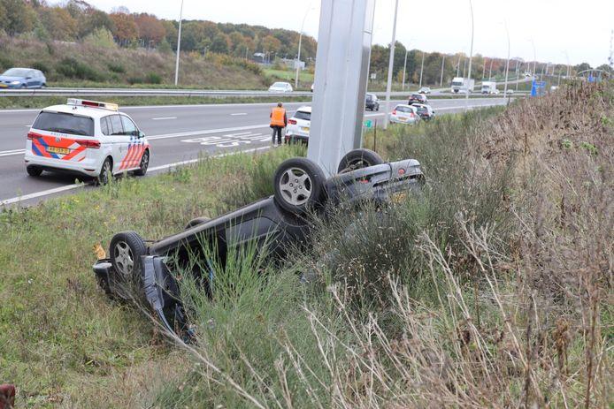 Ongeluk op de N261 bij Waalwijk.