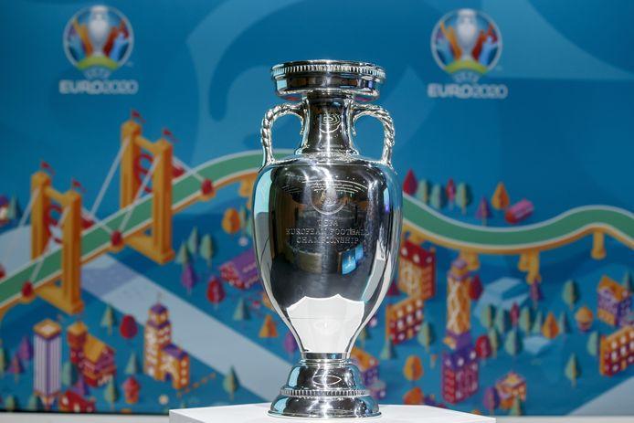 De Henri Delaunay-trofee voor de winnaar van het EK 2020, of wordt het 2021?