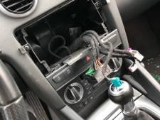 Navigatiesystemen uit auto's gestolen tijdens dagje Beekse Bergen: 'Waarvoor betalen we dan 10 euro parkeergeld?'