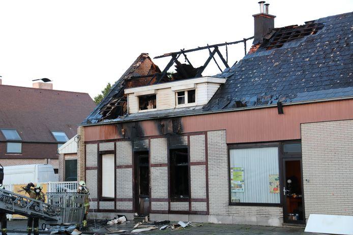 De schade na de brand was enorm. De dieren overleefden het vermoedelijk niet.