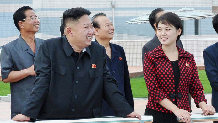 Kim Jong-un en zijn echtgenote Ri Sol-ju.