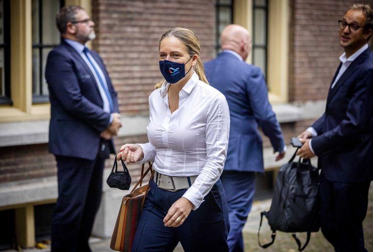 Carola Schouten, minister van Landbouw, Natuur en Voedselkwaliteit, komt aan op het Binnenhof voor de wekelijkse ministerraad. Beeld ANP