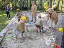 Schooljeugd mag zelf naar scherven spitten in de Archeokuil in Nieuwleusen