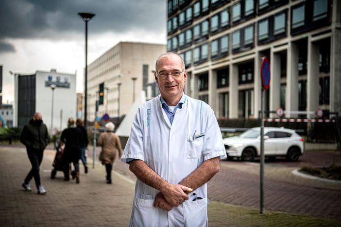 Internist-oncoloog Haiko Bloemendal van het Radboudumc is één van de architecte van het nieuwe Drug Access Protocol dat dure kankermedicijnen veel eerder naar patiënten moet brengen.