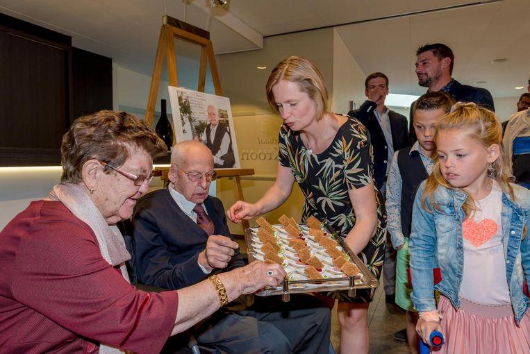 Maurits Vancoppenolle en Martha Dick vieren dubbel feest met hun familie.