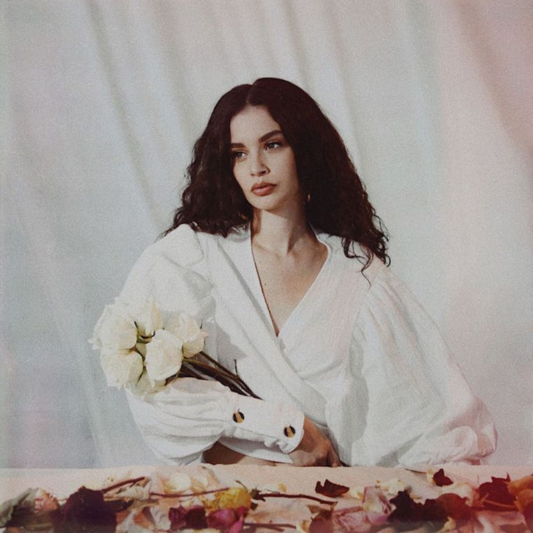 Albumcover Sabrina Claudio: About Time Beeld foto