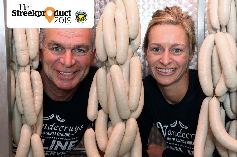 Patrick Haesendonckx en Liesbeth Mertens van Slagerij Vandecruys zijn fier op de erkenning van hun witte pensen als streekproduct.