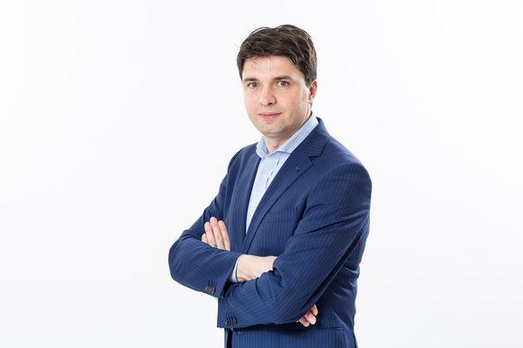 Michaël Van Droogenbroeck maakt de rekening.