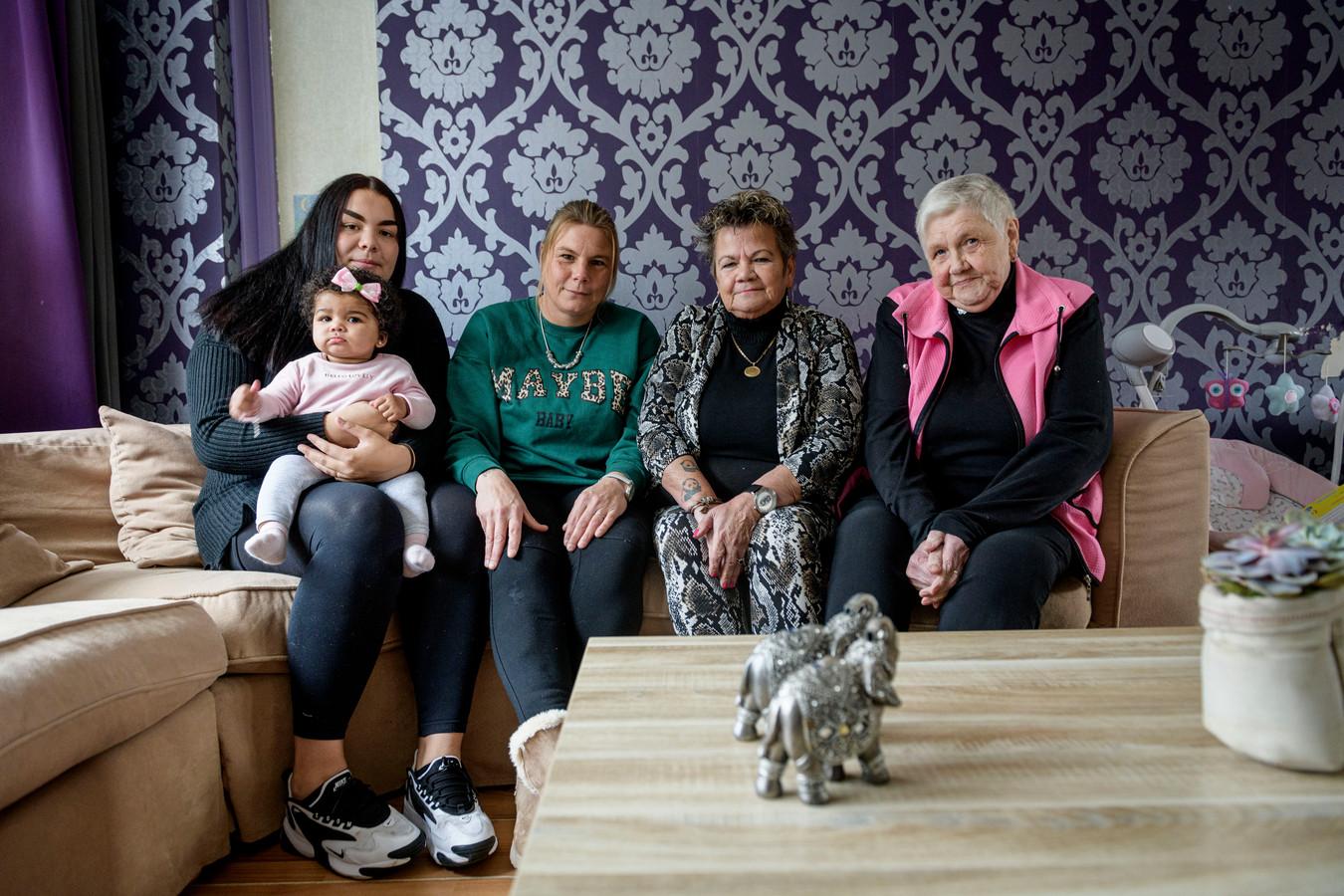 Vijf generaties op één foto.
