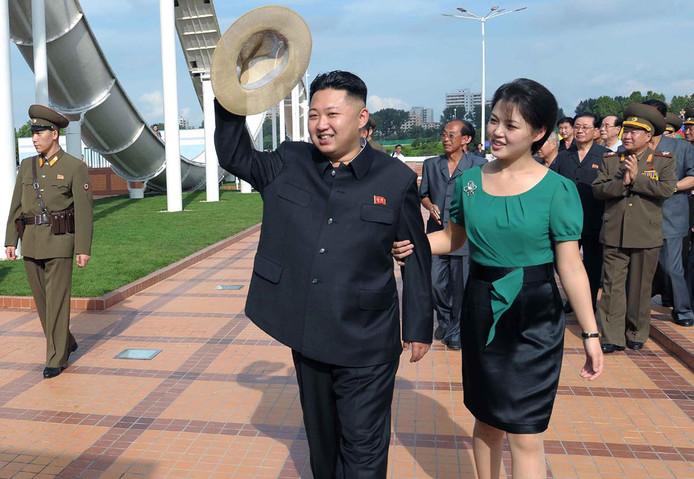 Archieffoto van Kim Jong-un en zijn vrouw Ri Sol-ju.
