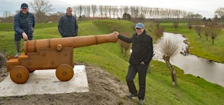 Parkeerterrein, nieuw dorpshuis, tramrails en zelfs kanonnen: Retranchement gaat er snel op vooruit