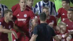 FT buitenland: Ex-Anderlecht-speler en Chelsea-flop laat zich vallen na… duw van ref