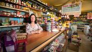 """Rooske (80) staat al zestig jaar in haar winkeltje: """"Pensioen? Geen denken aan!"""""""