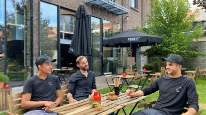 """Cateraar opent zomerbar RestoRed aan Dok Noord: """"Elke zondag barbecue"""""""
