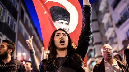 Turkse kiesraad wijst referendumklachten af