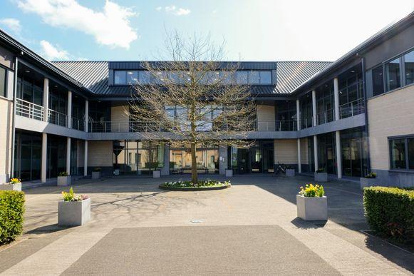 Het gemeentehuis van Steenokkerzeel.