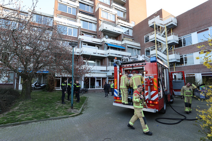 In de keuken van een woning in appartementencomplex Genderhof aan de Sterkenburg in Eindhoven heeft brand gewoed.