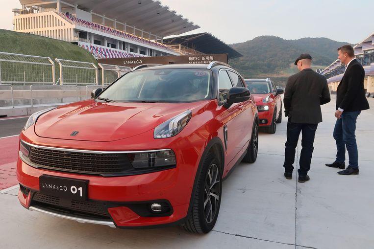 Het 01-model van Lynk & Co  wordt geïntroduceerd in november vorig jaar in Ningbo, China. Beeld REUTERS