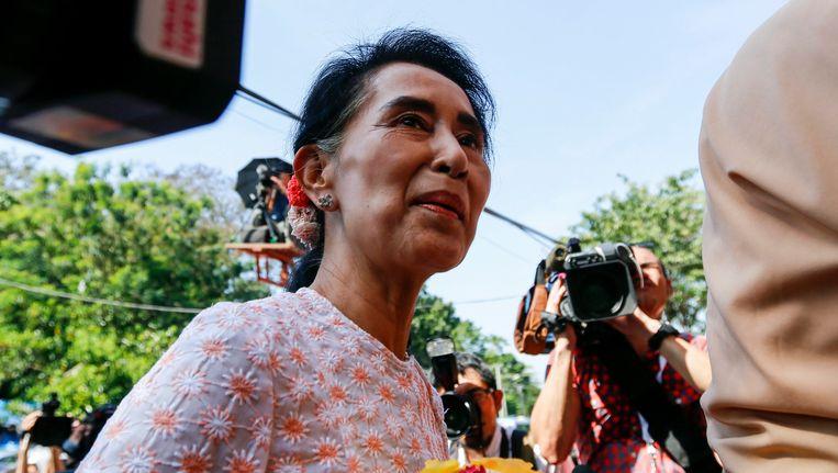 Suu Kyi riep haar aanhangers in een eerste reactie op om niet iets te doen wat haar rivalen kan provoceren. Beeld epa