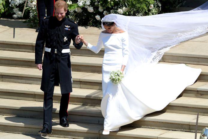 De jurk van Meghan kostte naar verluidt zo'n 230.000 euro.