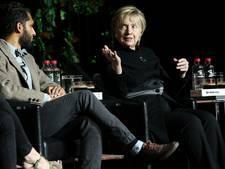Hillary Clinton verrast met openbaar optreden
