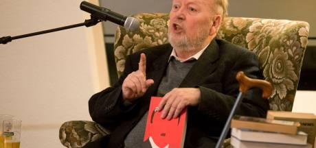 Martin Ros (80) schenkt boeken aan de SP