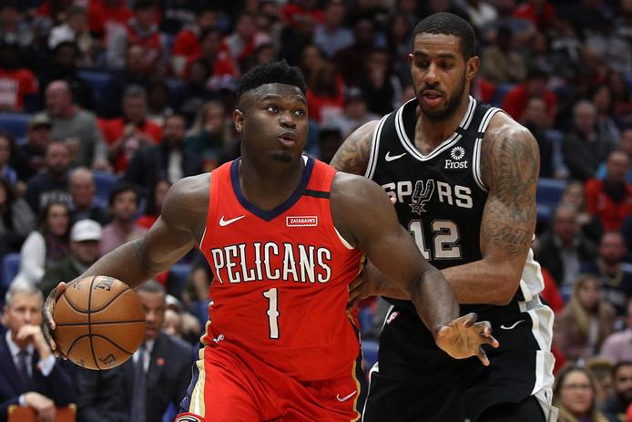 De pas 19-jarige Zion Williamson maakt meteen indruk in de NBA.