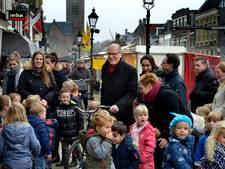 Burgemeester Groeneweg van Vianen na herseninfarct weer volop aan het werk