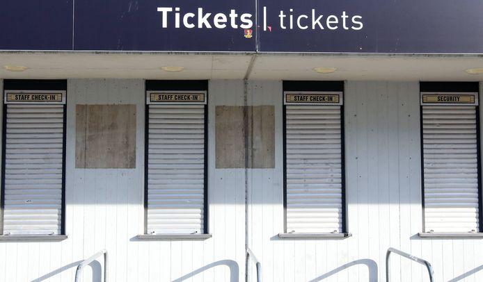 De loketten bij de clubs blijven de komende weken dicht.