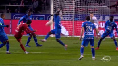 Antwerp krijgt strafschop na hands van Owusu, Mbokani geeft de bal aan Refaelov